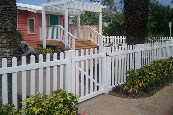 Outdoor pvc/vinyl fence